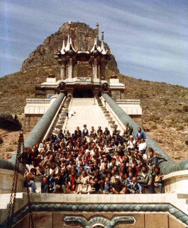 CONAN movie stills - Page 2 Templo-conan-el-equipo-al-completo1