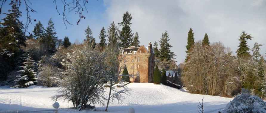 Historia  de el verdadero clan MacKenzie Castle_Leod_Winter_Scaled
