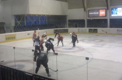 Hockey sobre hielo 20130120131319-escor-jaca