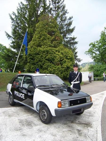 R11 Turbo phase 1 de 1985 Police_1