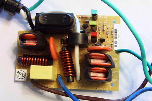 7 thứ cần biết về ổ cắm điện chống sét 7-thu-can-biet-ve-o-cam-dien-chong-set-hinh-2
