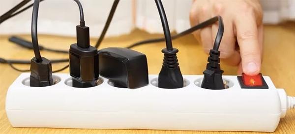 7 thứ cần biết về ổ cắm điện chống sét 7-thu-can-biet-ve-o-cam-dien-chong-set-hinh-4
