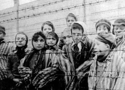 EL CLUB BILDENBERG, CLUB DE LA ELITE MUNDIAL QUE PRETENDE MACABROS PLANES - Página 2 Campo-de-concentracin-nazi