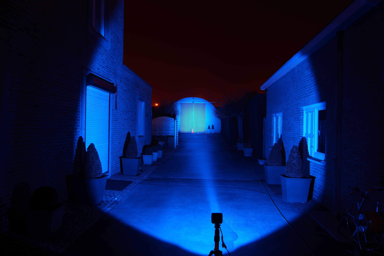 Eclairage pulvé Led Bleu Comatra - Page 2 Intensit%C3%A9_projecteur%20LED_avec_LED_Comatra_bleu