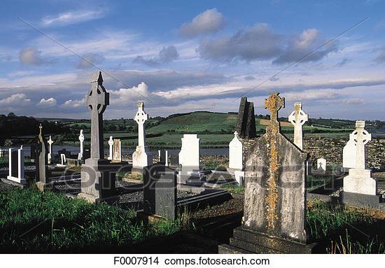 Profanation au salon funéraire et dans les cimetières au Québec F0007914