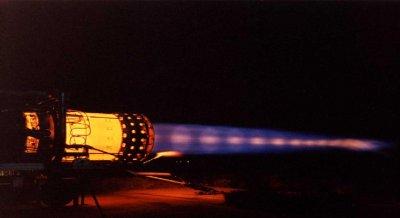 OVNI filmé à Bessemer (Michigan, USA) AVION-5