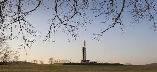 pour - Gaz de Schiste : Un enfer écologique pour les uns, un eldorado économique pour les autres Fracturation_hydraulique_fi