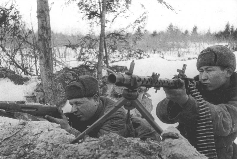 soldats soviétiques - Page 2 42%20%2810%29