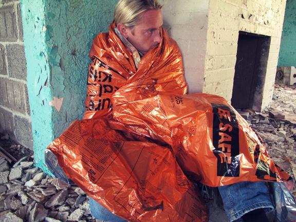 Comment faire un Get Home Bag (kit de retour au domicile) Emergency-blanket