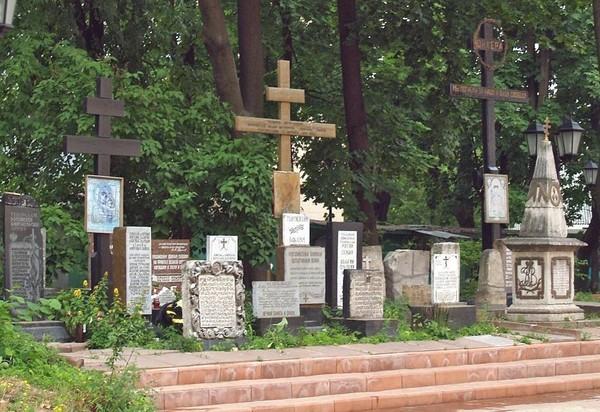 Храм Всех Святых Патриаршего Подворья во Всехсвятском на Соколе хотят захватить агенты влияния Саакашвили и разрушить строители-гастарбайтеры. I-1536
