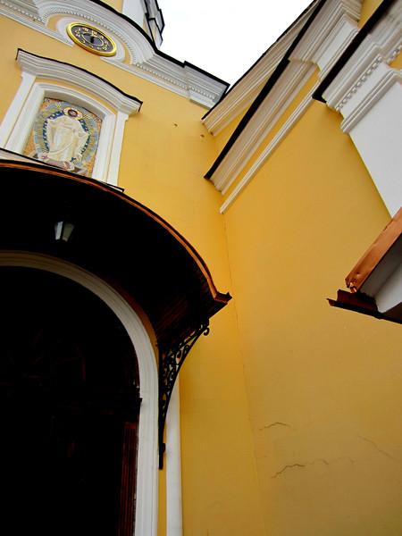 Храм Всех Святых Патриаршего Подворья во Всехсвятском на Соколе хотят захватить агенты влияния Саакашвили и разрушить строители-гастарбайтеры. I-1575
