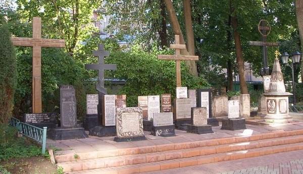 Храм Всех Святых Патриаршего Подворья во Всехсвятском на Соколе хотят захватить агенты влияния Саакашвили и разрушить строители-гастарбайтеры. I-1594