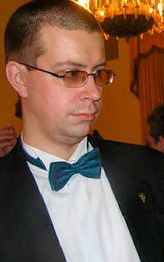 Вооруженных экстремистов вырастил Владислав Сурков (он же Асламбек Дудаев)? Версии и мнения русских националистов и политологов.  I-1709