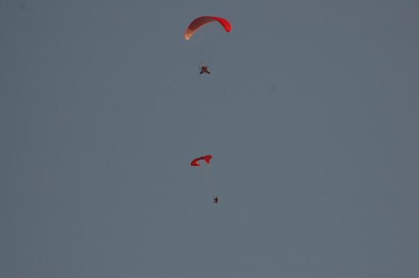 Первый в Сибири прыжок с парапланом... I-195