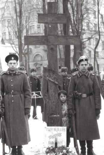 Храм Всех Святых Патриаршего Подворья во Всехсвятском на Соколе хотят захватить агенты влияния Саакашвили и разрушить строители-гастарбайтеры. I-814