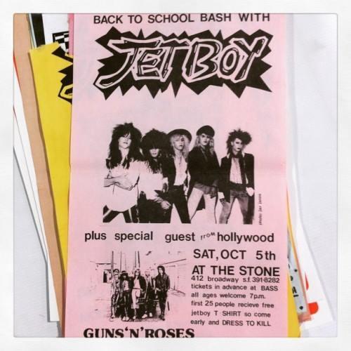 1985.10.05 - The Stone, San Francisco, USA Dde9QvDUQAAKlK2.jpg.e9137b6cc8ebe8036a3d21a88ef8eec7