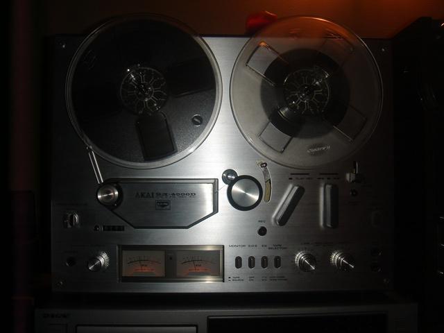 Audio un video tehnika, stereosistēmas, mājas kinozāles - bildēs. AKAI-GX-4000D-uz-2-celiem-1.sized