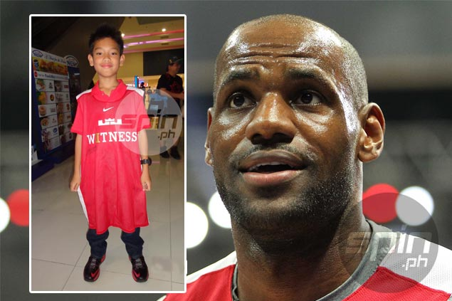 'King's' touching gesture: Lucky kid on cloud nine after being gifted with playing jersey by LeBron Lebronkid