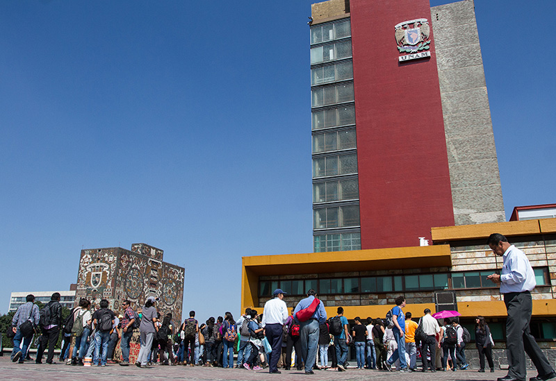 Corrupción en la UNAM, solapada por Narro y Graue Marcha_unam