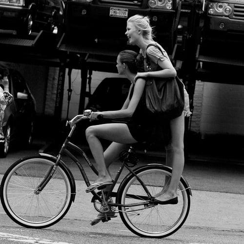 Ljepotice i bicikli - Page 2 Sartorialist-girls-on-bicycle