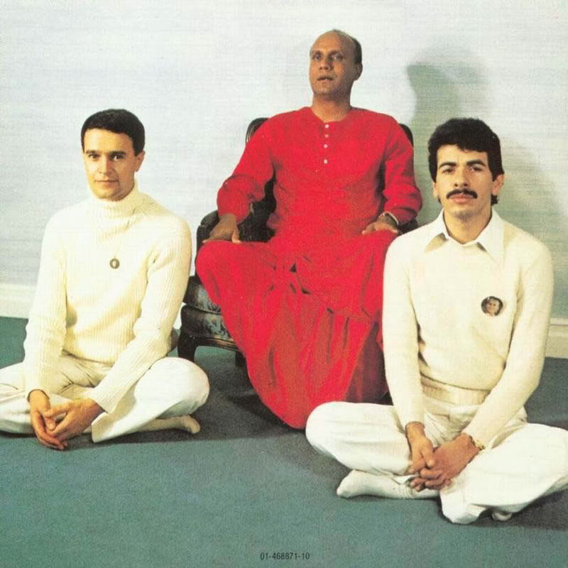 Carlos Santana/Mahavishnu John McLaughlin : Love Devotion Surrender (1973) SantanaMcLaughlinLoveDevotionSur-2