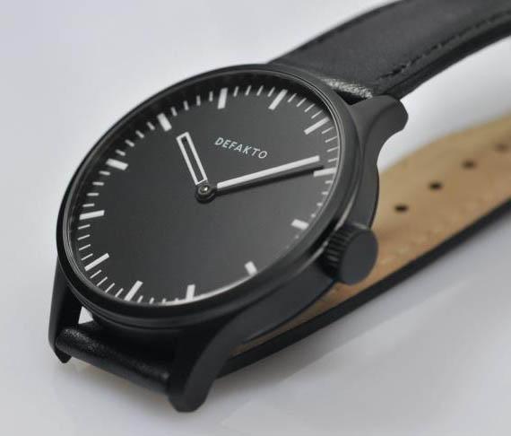Choix d'une montre, grand cadran, à moins de 400 euros - Page 2 Defakto-Akkord