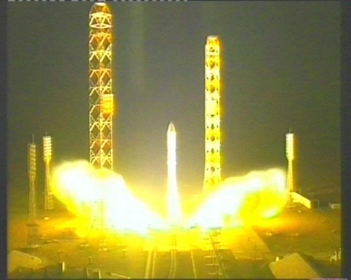 Proton (Telstar 14R) - 20.5.2011 V_ts14r01