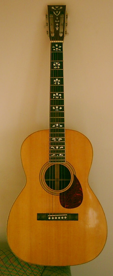 Les guitares d'un luthier aussi amateur que passionné ... 000-12-1