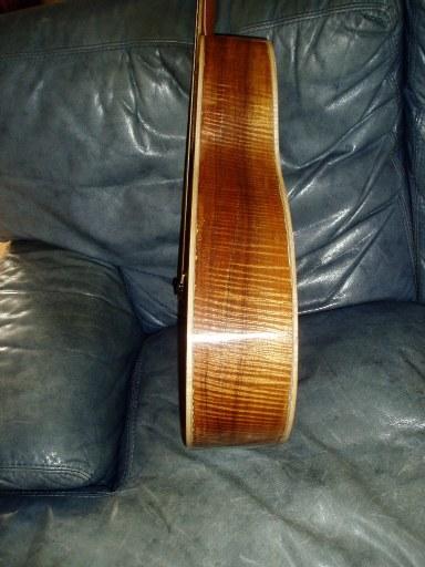 Les guitares d'un luthier aussi amateur que passionné ... 000-12K42(2)7small