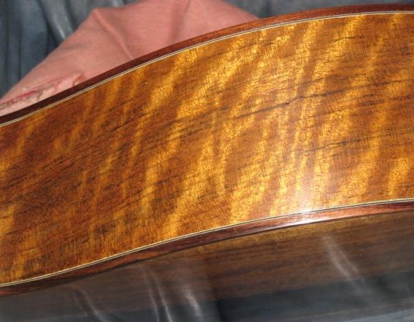 Les guitares d'un luthier aussi amateur que passionné ... Photo%20009small