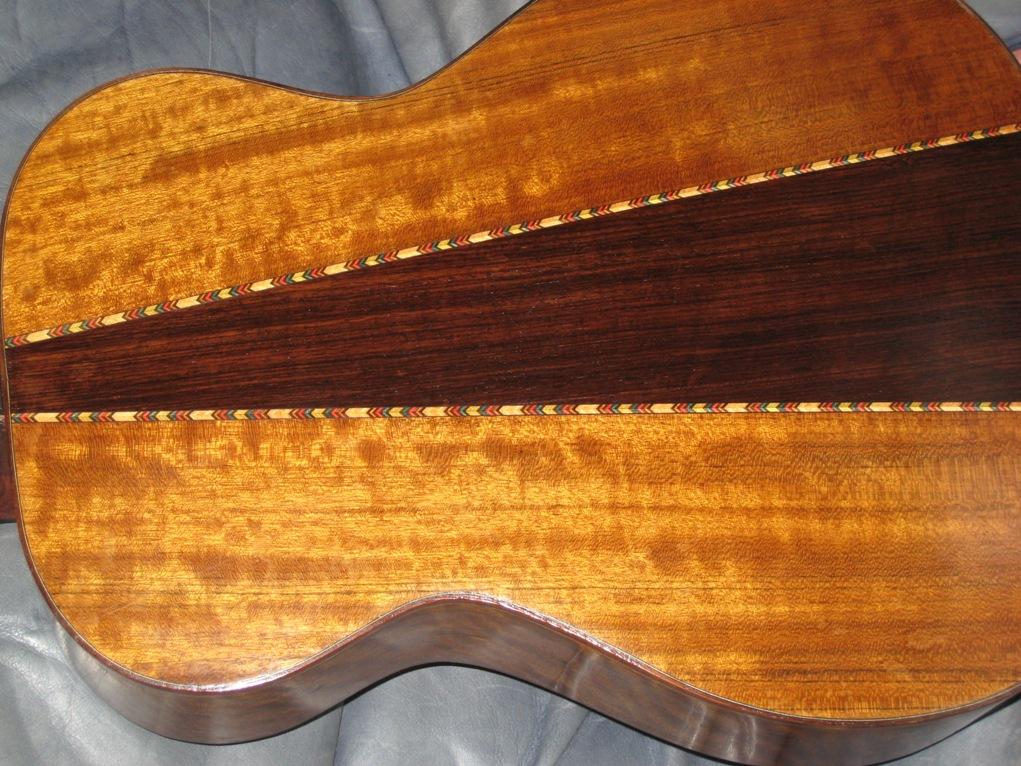 Les guitares d'un luthier aussi amateur que passionné ... Photo%20010