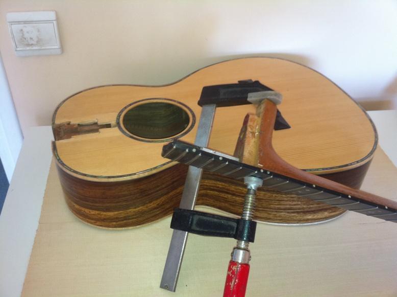 Les guitares d'un luthier aussi amateur que passionné ... - Page 3 0-12heel001