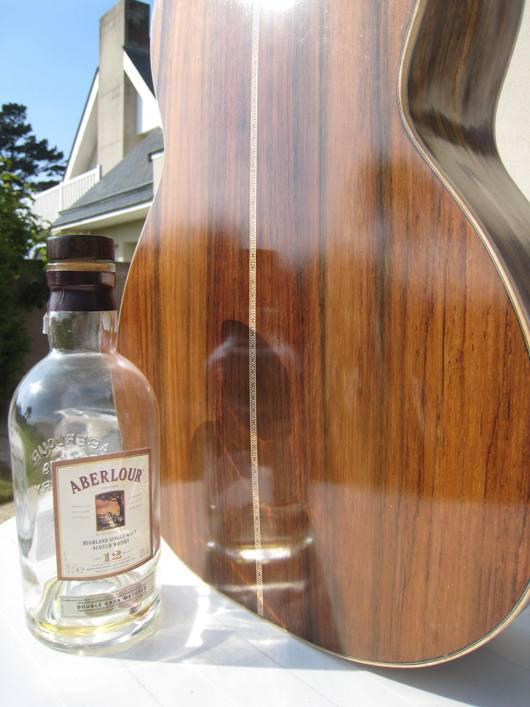 Les guitares d'un luthier aussi amateur que passionné ... - Page 2 22042010%20008