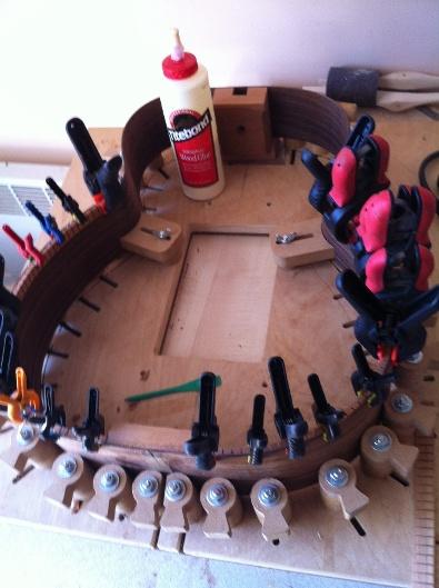 Les guitares d'un luthier aussi amateur que passionné ... - Page 5 Reso%20011