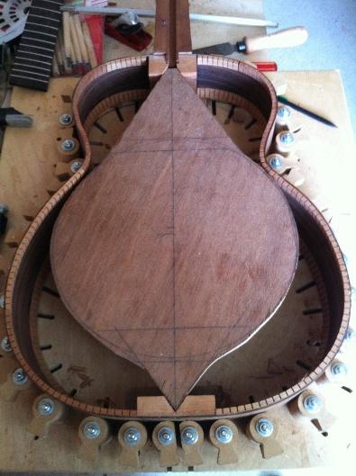 Les guitares d'un luthier aussi amateur que passionné ... - Page 5 Reso%20016