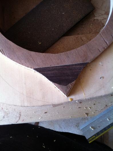 Les guitares d'un luthier aussi amateur que passionné ... - Page 5 Reso%20021
