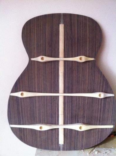 Les guitares d'un luthier aussi amateur que passionné ... - Page 6 Reso%20031