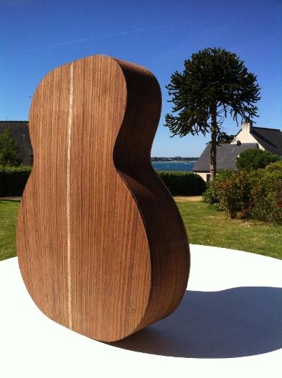Les guitares d'un luthier aussi amateur que passionné ... - Page 6 Reso%20035