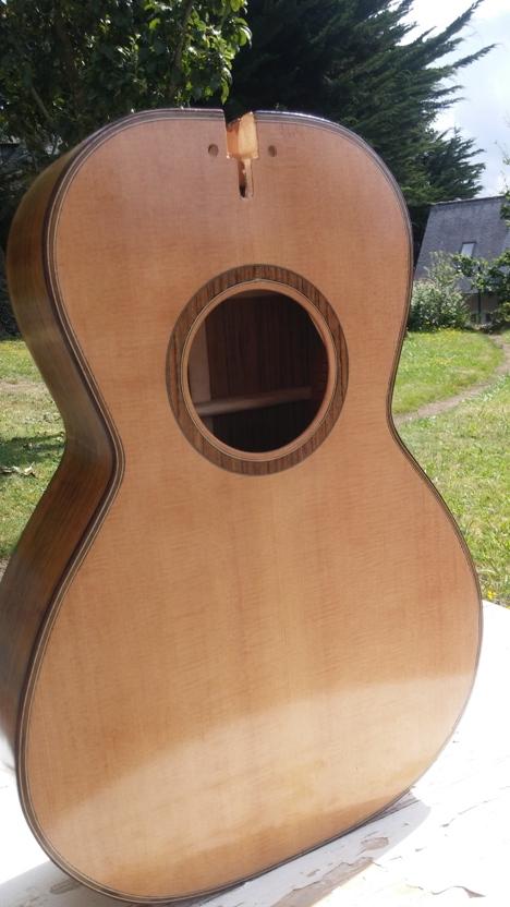 Les guitares d'un luthier aussi amateur que passionné ... - Page 25 20140811_160138