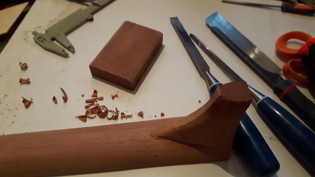Les guitares d'un luthier aussi amateur que passionné ... - Page 30 20201117_164438
