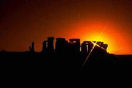 Le Soleil, mythes et légendes Stonehenge-sun