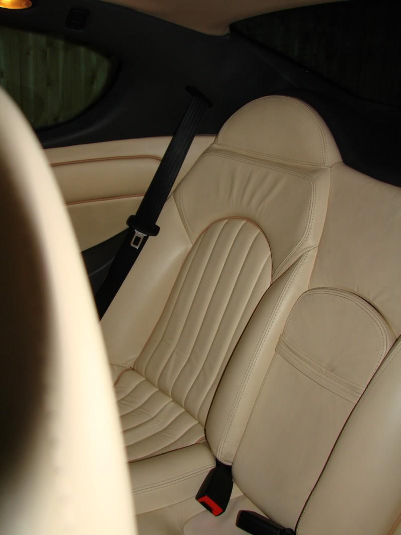 Rénovation des cuirs de ma 3200 GT Assetto Corsa DSC08912