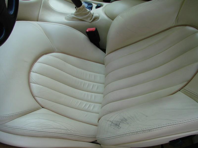 Rénovation des cuirs de ma 3200 GT Assetto Corsa DSC08985