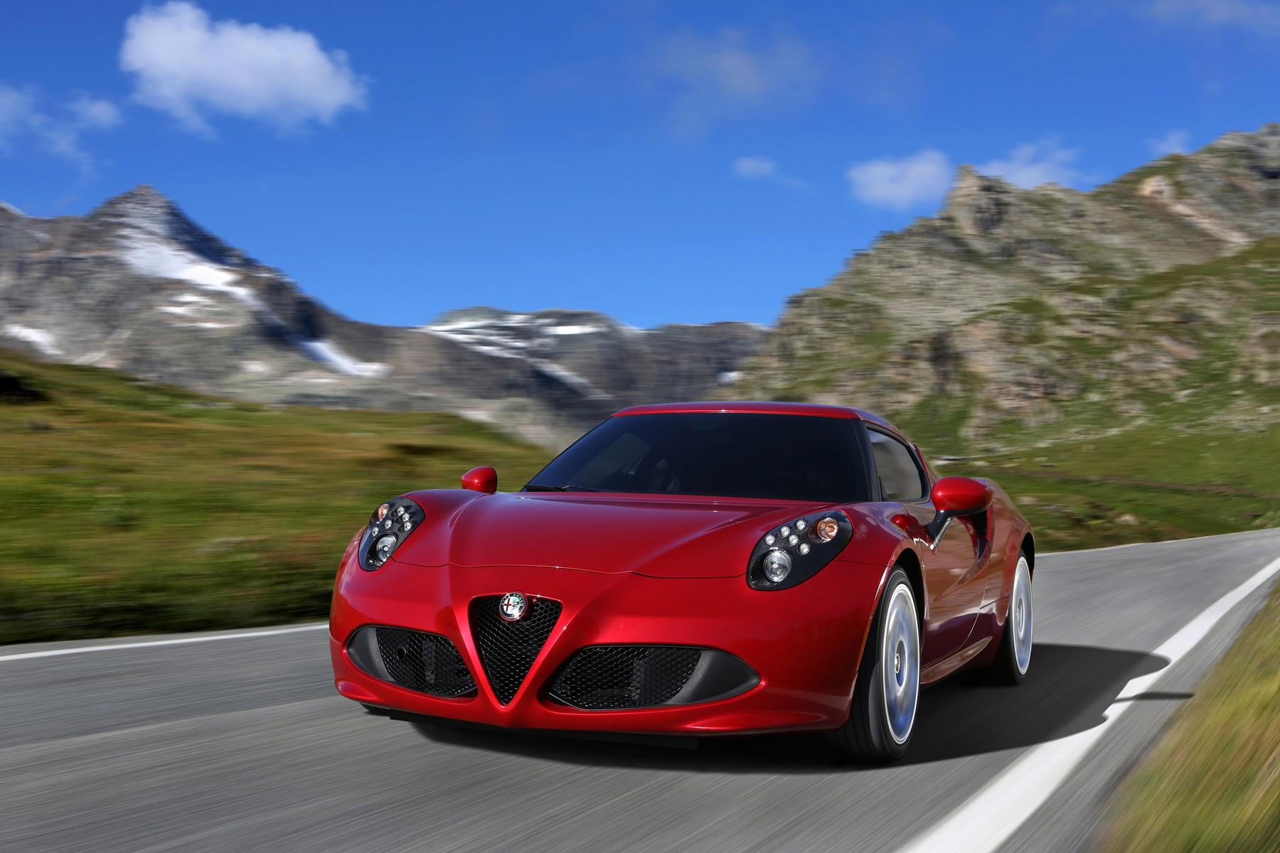 [Alfa Romeo] 4C Alfa_romeo_4c_2013_0338b-1800-1200