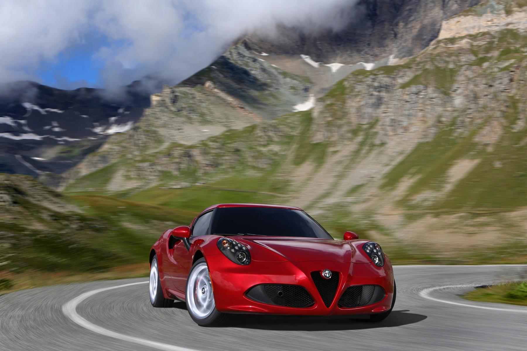[Alfa Romeo] 4C Alfa_romeo_4c_2013_2c5a0-1800-1200