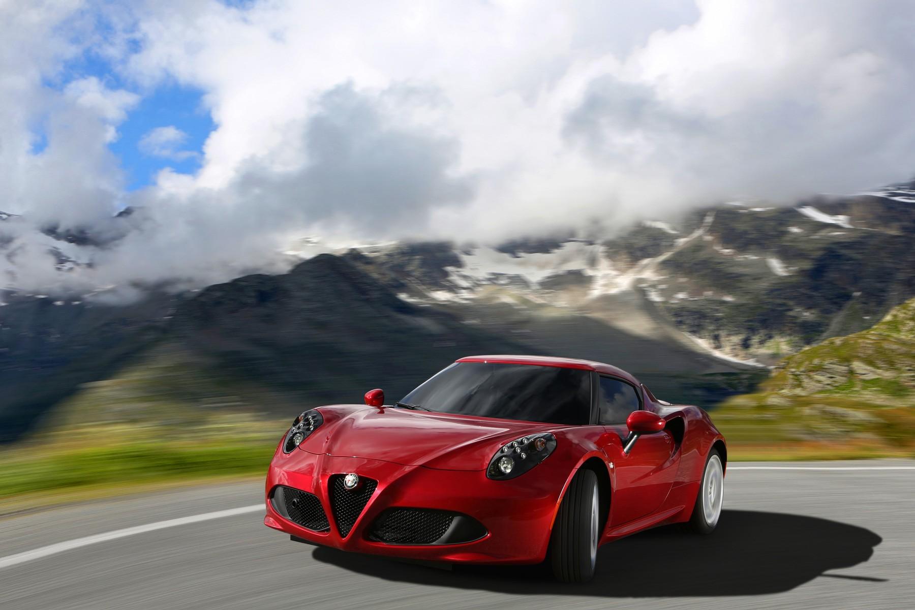 [Alfa Romeo] 4C Alfa_romeo_4c_2013_71fa1-1800-1200
