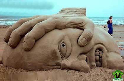 منحوتات رملية Head-sand-sculpture