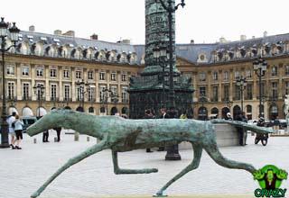 تماثيل ومنحوتات غريبة Sculpture-horse