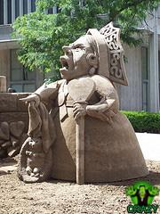 تماثيل ومنحوتات غريبة Sculpture-of-gravel