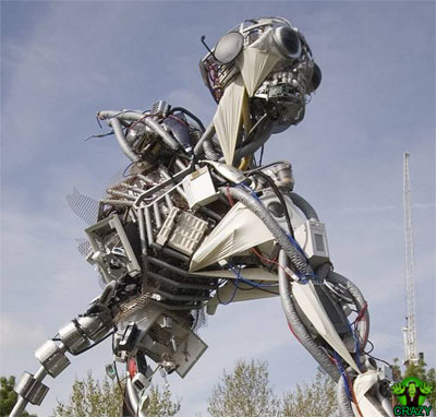 تماثيل ومنحوتات غريبة Sculpture-robot